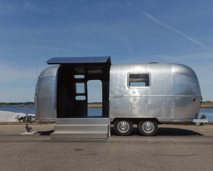 Rock-Roll-Airstream-3-of-10_done